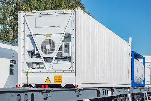 intermodal container with integrated cooling system